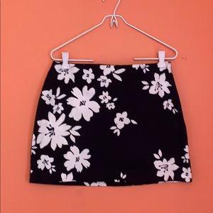 Dresses & Skirts - Black and white skirt